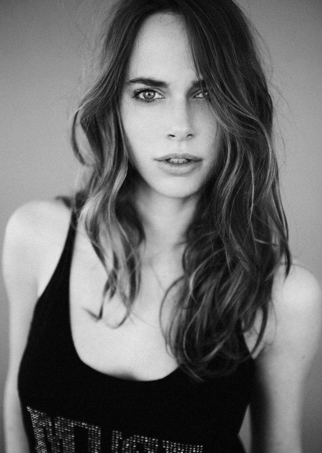 Chloe-Ubaldi-30