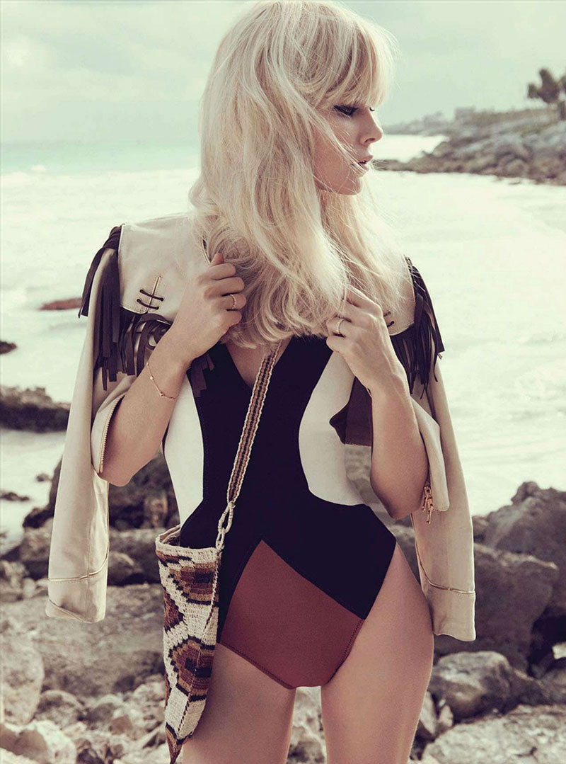 Dewi-Driegen-by-Paola-Kudacki-(Boho-Beach---Harper's-Bazaar-UK-June-2012)-9
